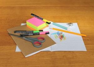 desk-1574669_640